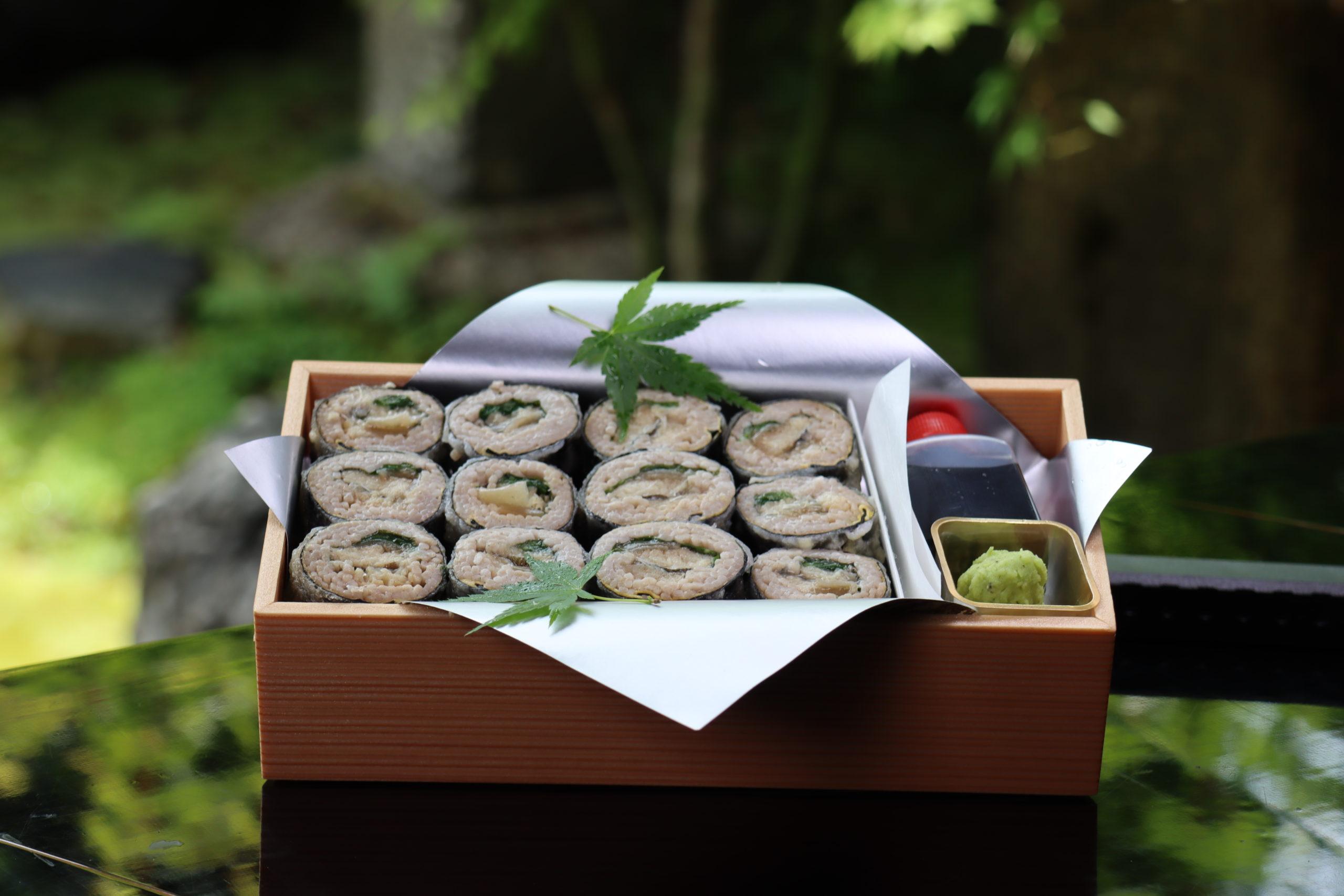 天ぷら蕎麦が初めて食べる感覚でした。 今度は是非店舗で揚げたての天ぷらを頂きたいと思います。
